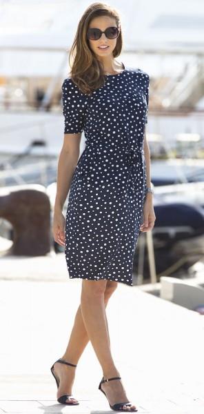 Anna Larssen Tupfen-Kleid