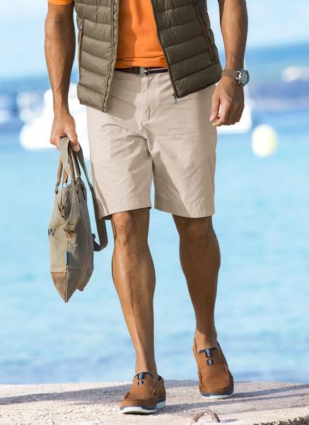 Capt. Scott Bermudas mit Gürtel