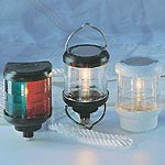 Hoisted anchor light 10 W Aqua Signal Series 40Series 40 navigation lights. DOT approved lights for
